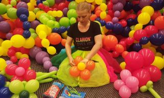 balloon-princess-making-balloon-decoration-clarion-hotel-featured.jpg