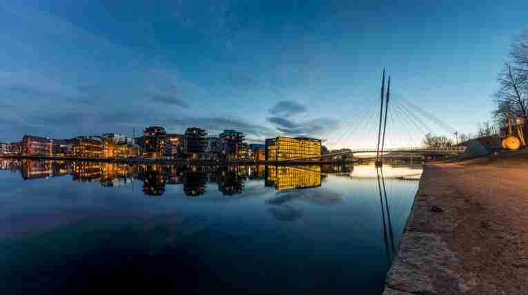 Drammen-river-by-night