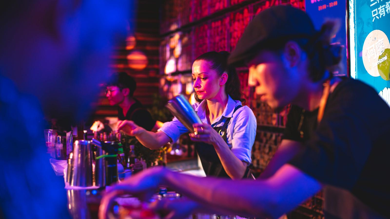 Lady bartender - giles.heasman(何家樂) - Taiwan - GQ BarSurfing