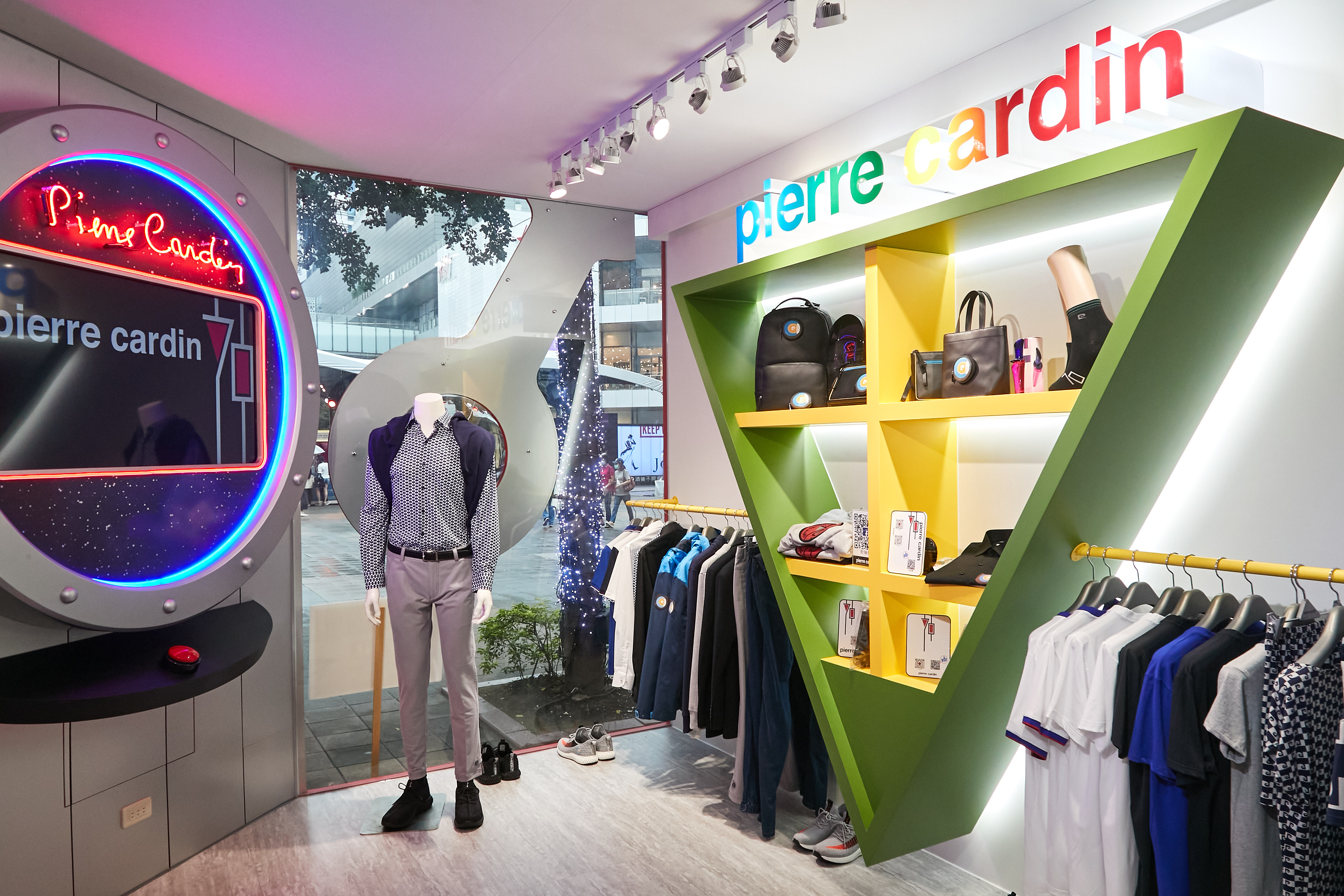 Pierre Cardin 4 - giles.heasman(何家樂) - Taiwan - Taipei Fashion Week x Vogue FNO - Sponsor 2