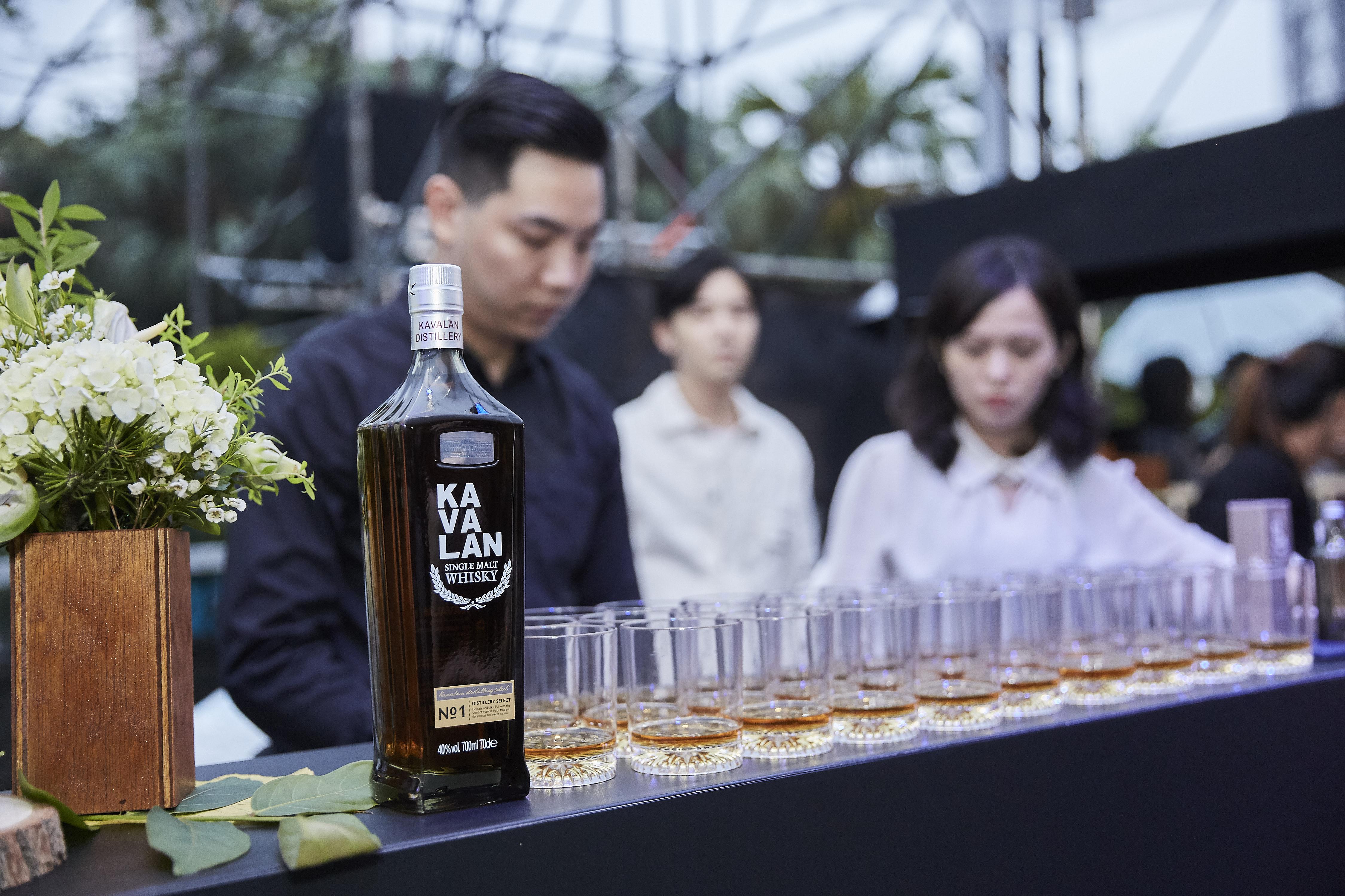 Kavalan Whisky 1 - giles.heasman(何家樂) - Taiwan - Vogue Taipei Fashion Week FNO - Sponsor 3