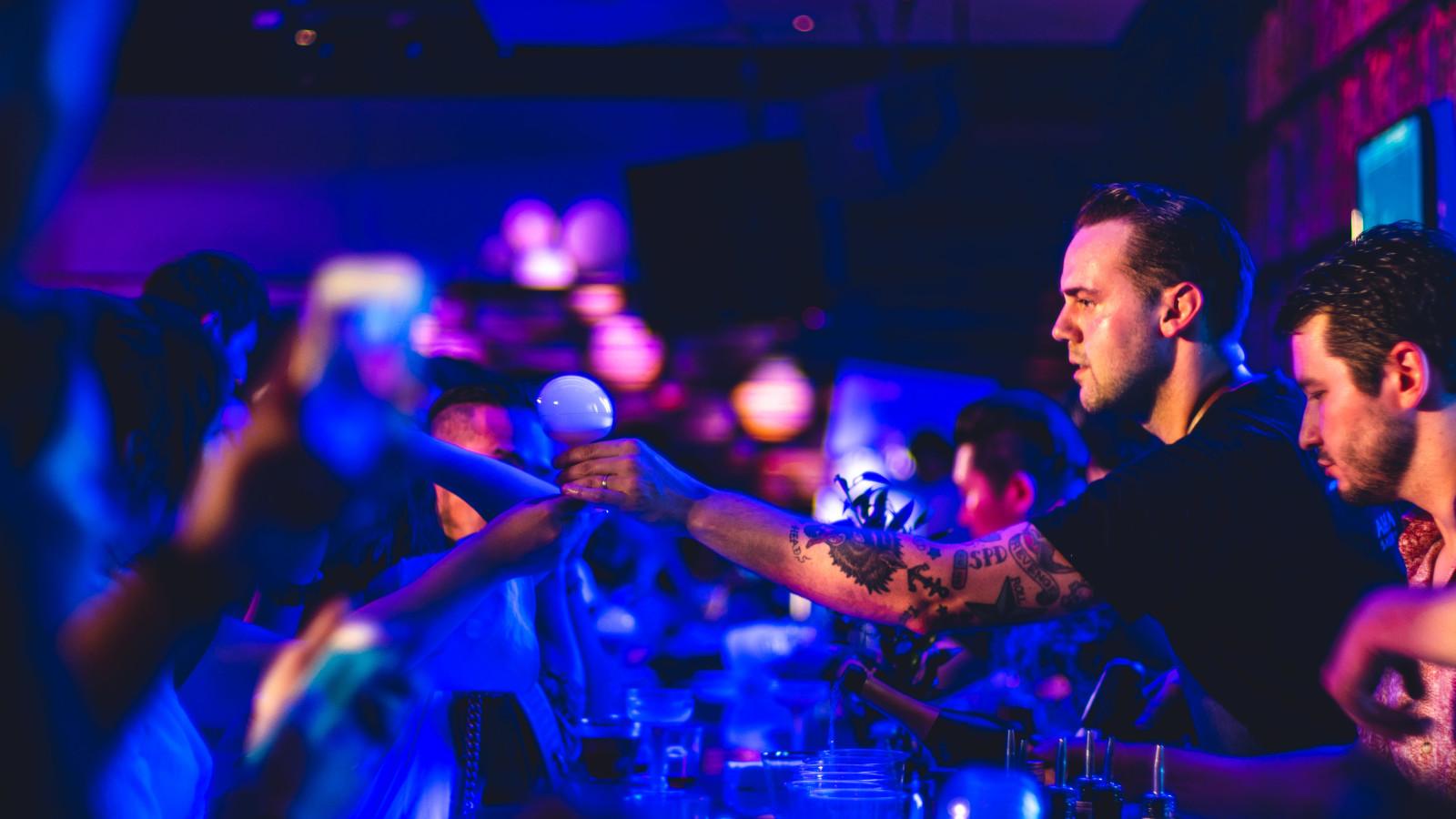 English bartender - giles.heasman(何家樂) - Taiwan - GQ BarSurfing