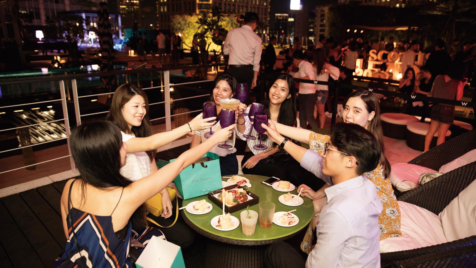 Cheers outdoors - giles.heasman(何家樂) - Taiwan - GQ BarSurfing
