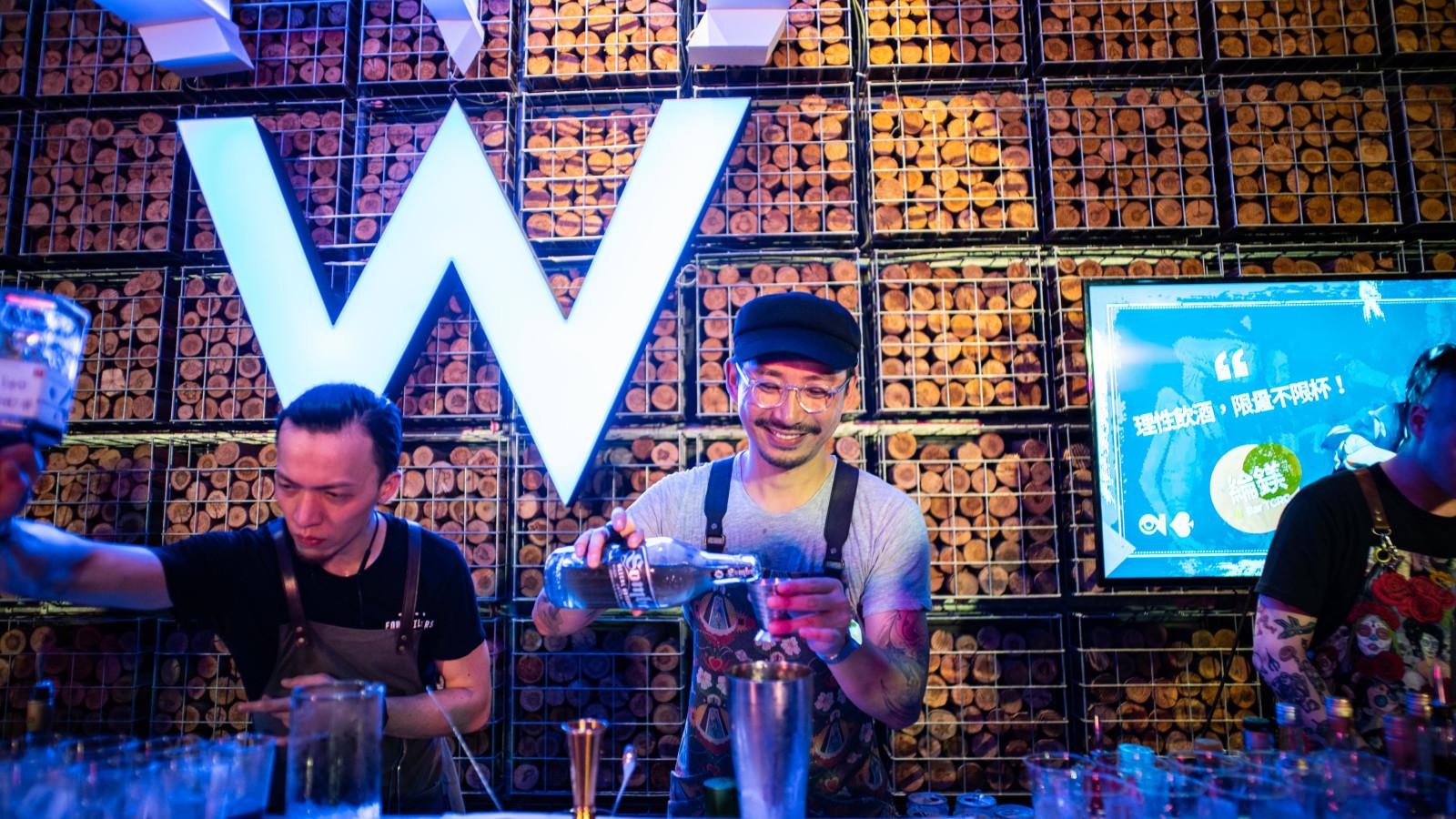 Bartender W - giles.heasman(何家樂) - Taiwan - GQ BarSurfing