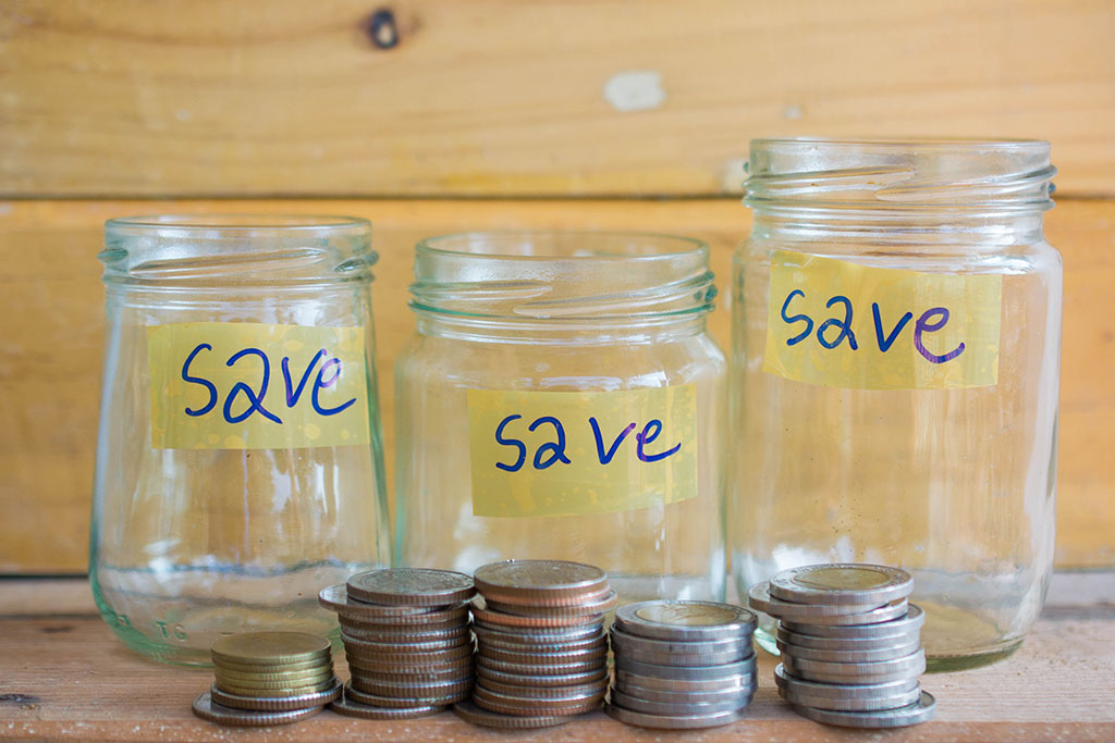 money-saving-jars