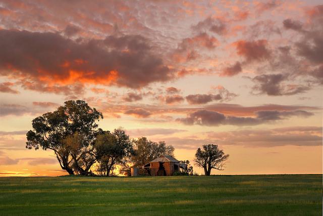 house-on-farmland