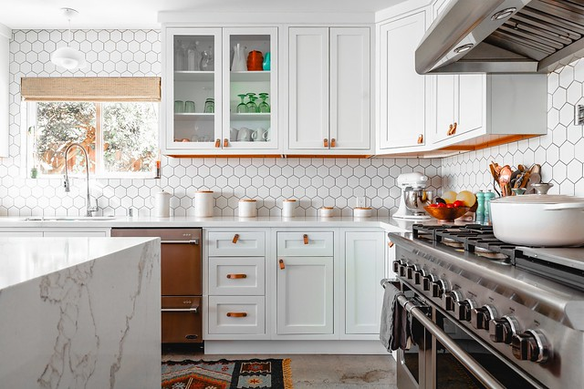 quirky-country-kitchen-tiles