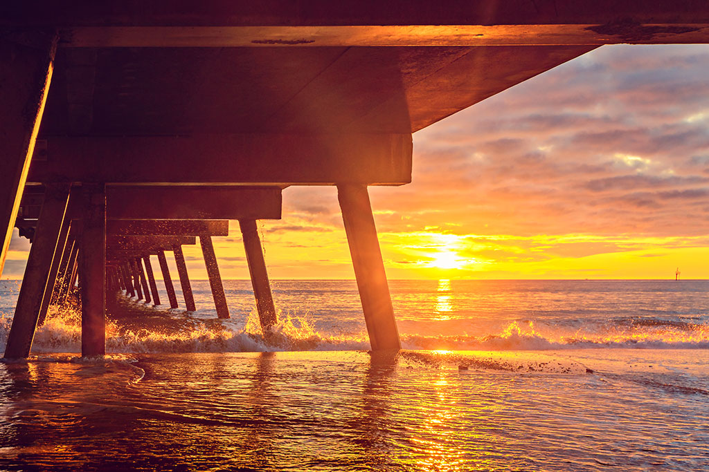 sunset-view-from-under-glenelg-jetty-sa