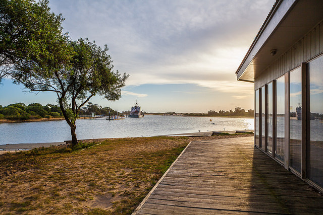 lakes-entrance-house-view