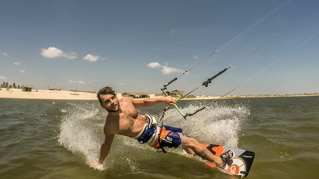 Tobi deckert kite boarding