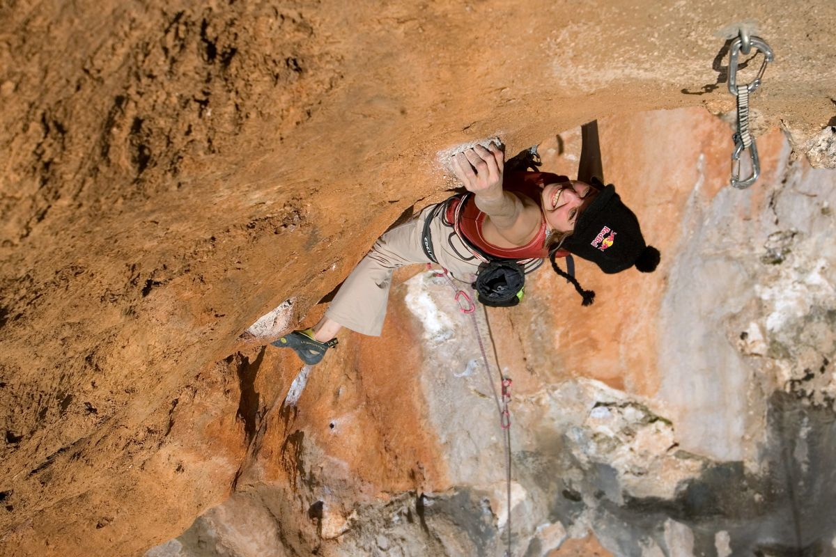 Angy Eiter during the ascent of Turkish Airways (8a+) in Anatolia