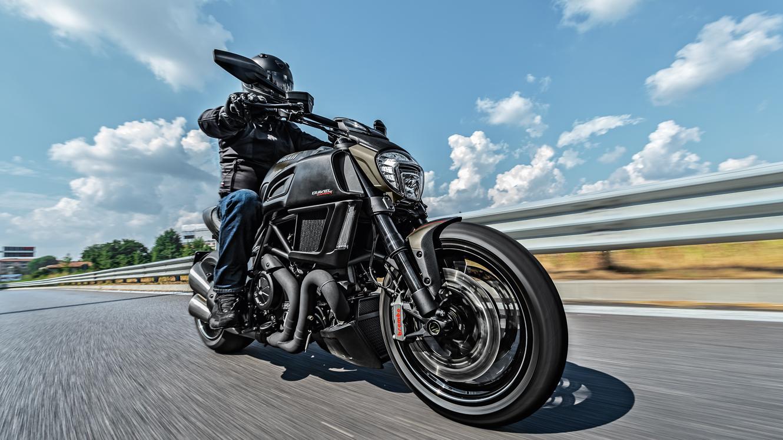 Ducati Diavel: Sport-Cruiser bikes with unique style