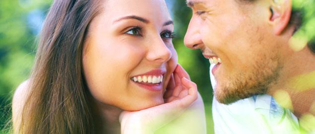 Intelligence For Your Life - 4 Signs That He's Into You