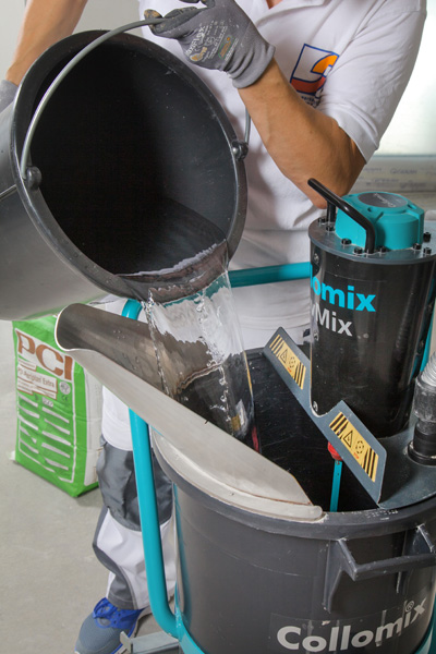5. Pour the exact amount of water indicated for each sack amount into the mixing bucket