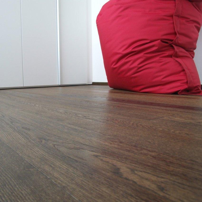 Pavimento In Rovere Plancia Oliato O Verniciato Fumato Plance E Tavole Parquet Prodotti Ceramiche Artistiche Bertolani Srl