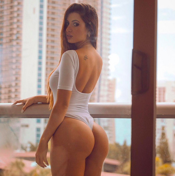 Elizabeth zaks youtube bikini whore - 3 part 3