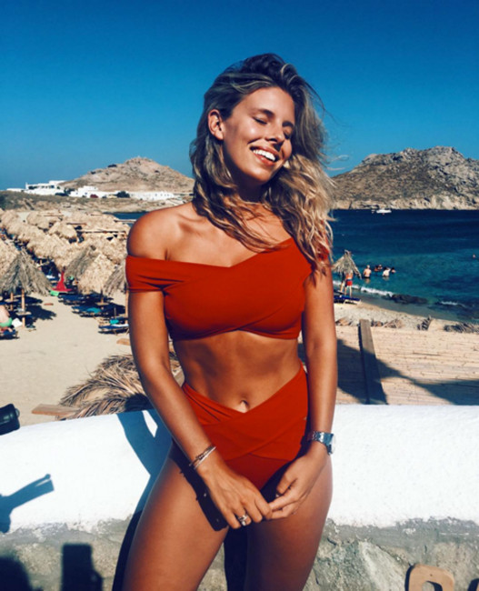 from alexis ren to nikki leigh 25 women you need to be