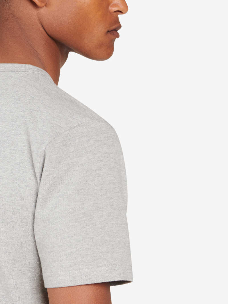 TS00010-GRY OnModel Detail 2