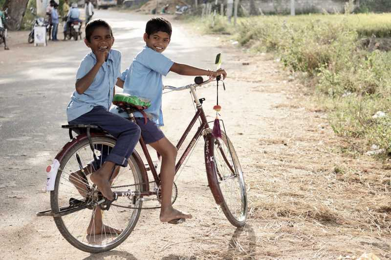 Children on cycle