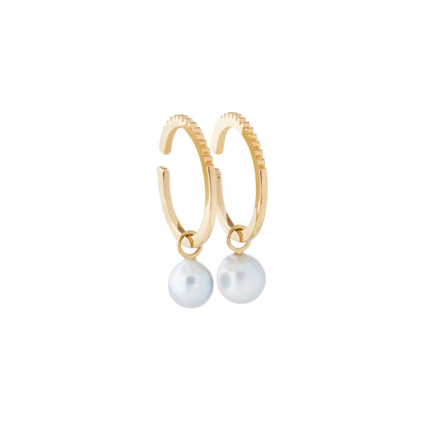 The araw ear cuffs and pearl danglers set