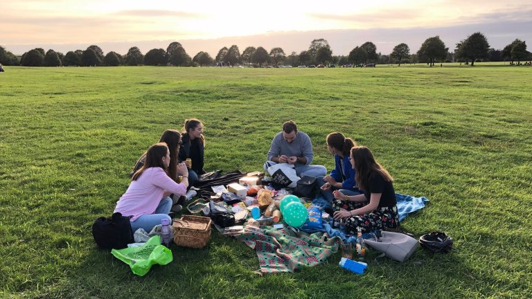 Bristol meet up - picnic in the park. Credit Ruby Walker-2