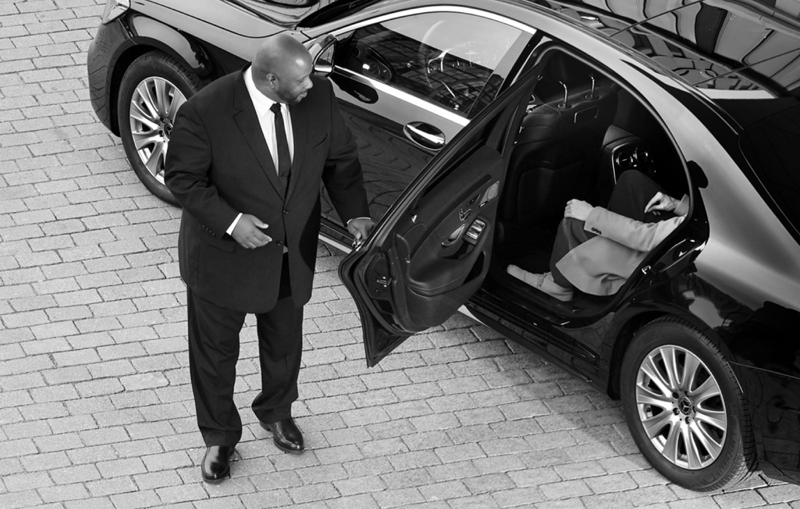 Still Receive A Black Car Experience In London Thanks To Our Fleet Of Sleek Mercedes Sedans And Vans Book Your Professional Limousine Service Today