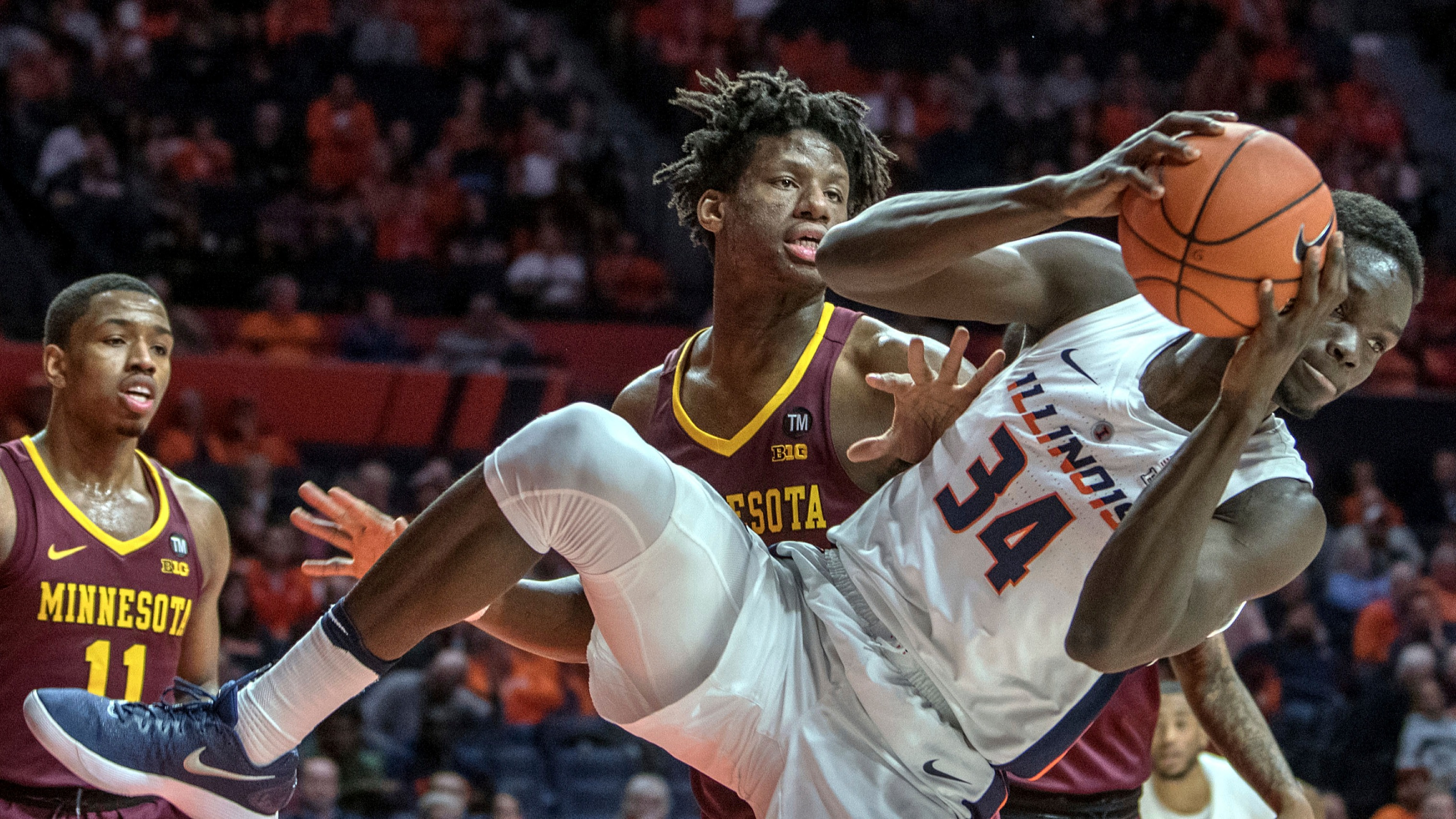 College basketball betting lines, odds, predictions: Minnesota out
