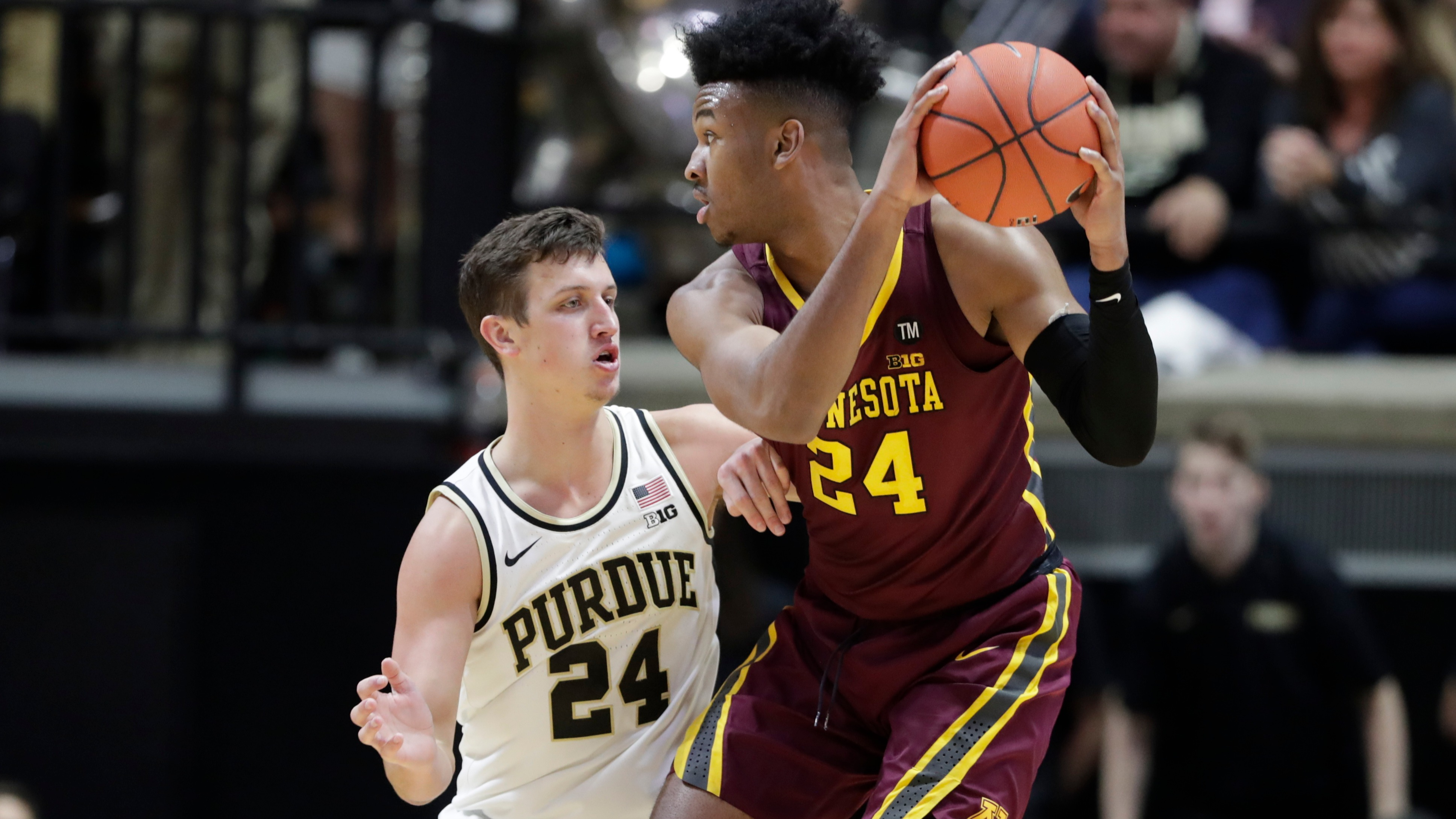 College basketball betting lines, odds, predictions: Tourney hopes