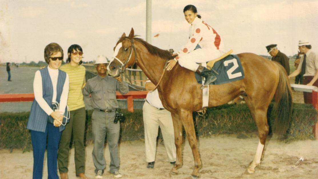 The Story Of Cheryl White The First Black Female Jockey In U S Horse Racing History