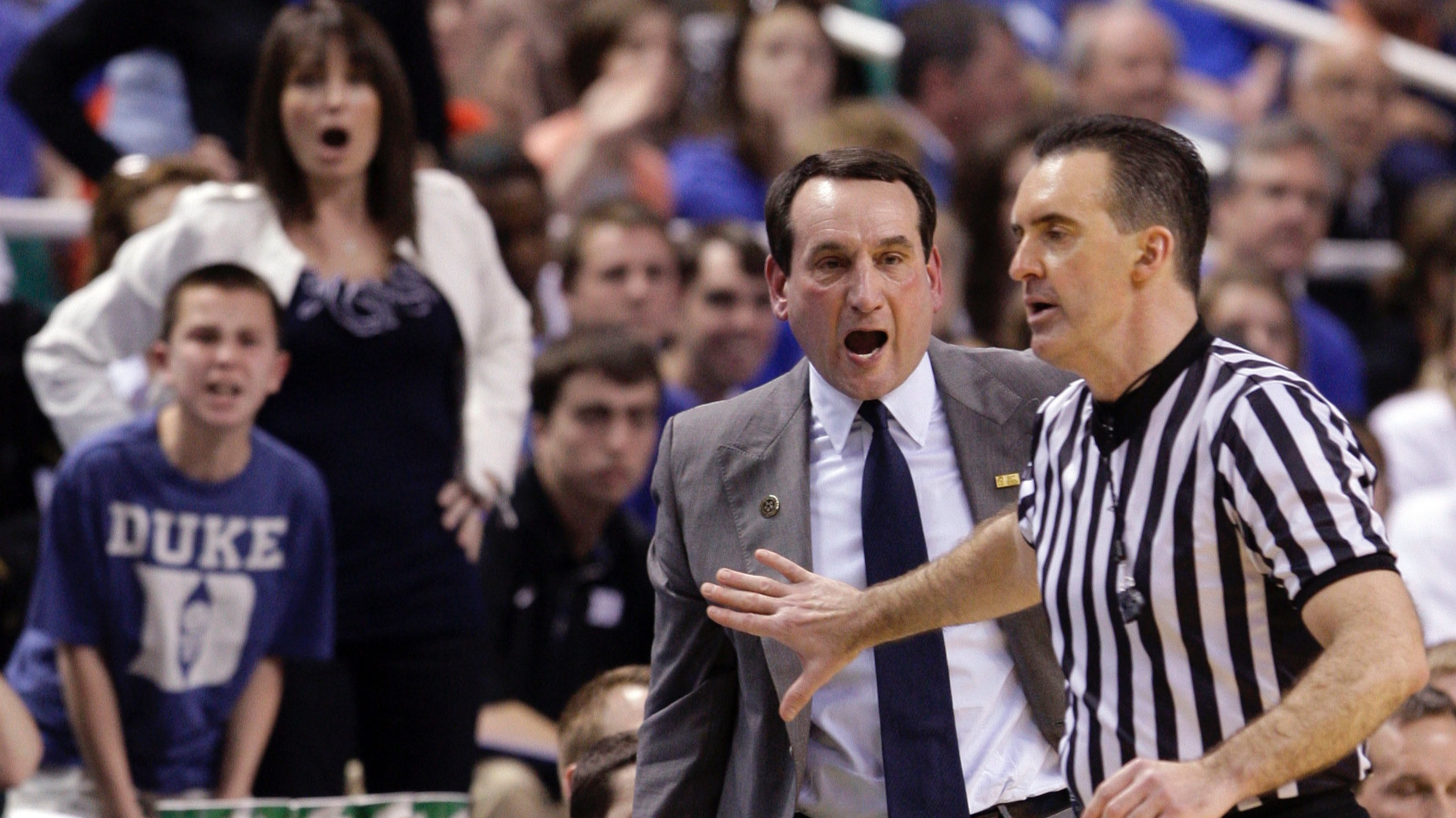Referees to reportedly review all buzzer-beaters in NCAA tournament