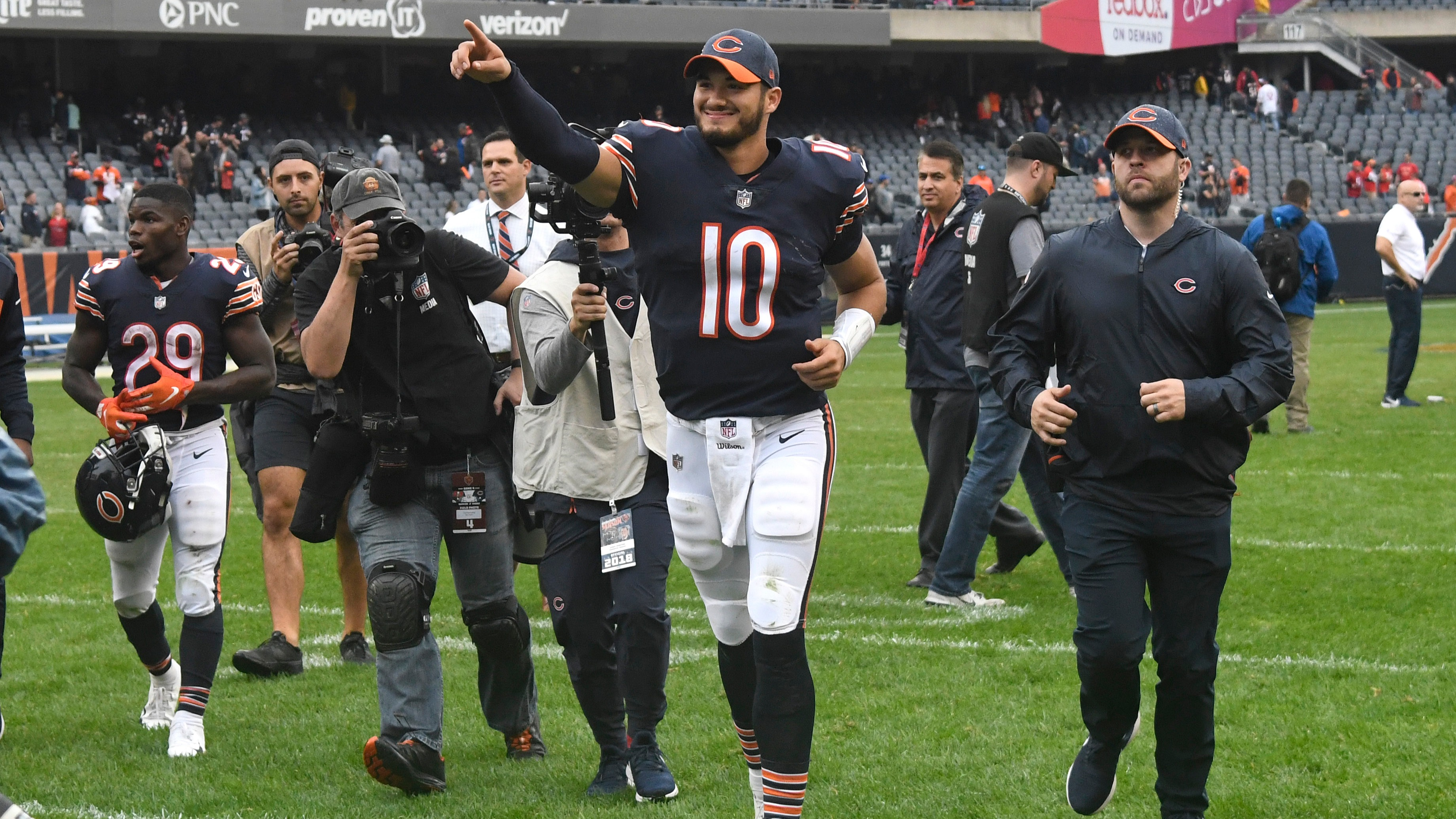 Gold Stars Trubisky Pops Off Tops Goff In Week 4 Wiring Money Pnc Chicagos Mitchell Had The Best Game Of His Young Career On Sunday And He Opened A Lot Fantasy Owners Eyes Process