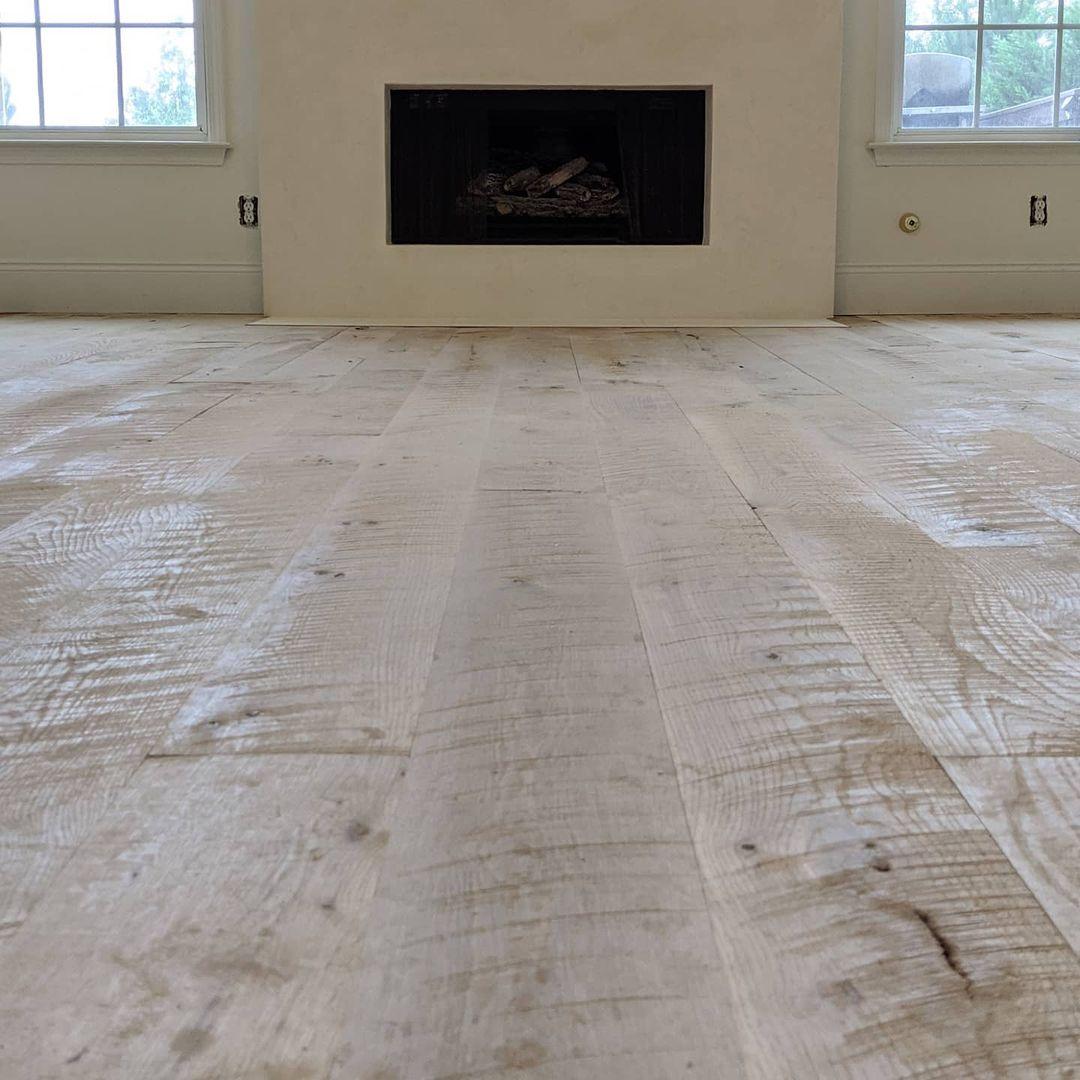 Circular Sawn White Oak Floors