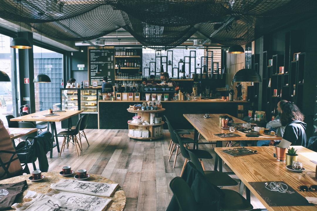 お客様が集まるおしゃれなカフェインテリアづくりのノウハウと、デザインを参考にすべき7つのお店