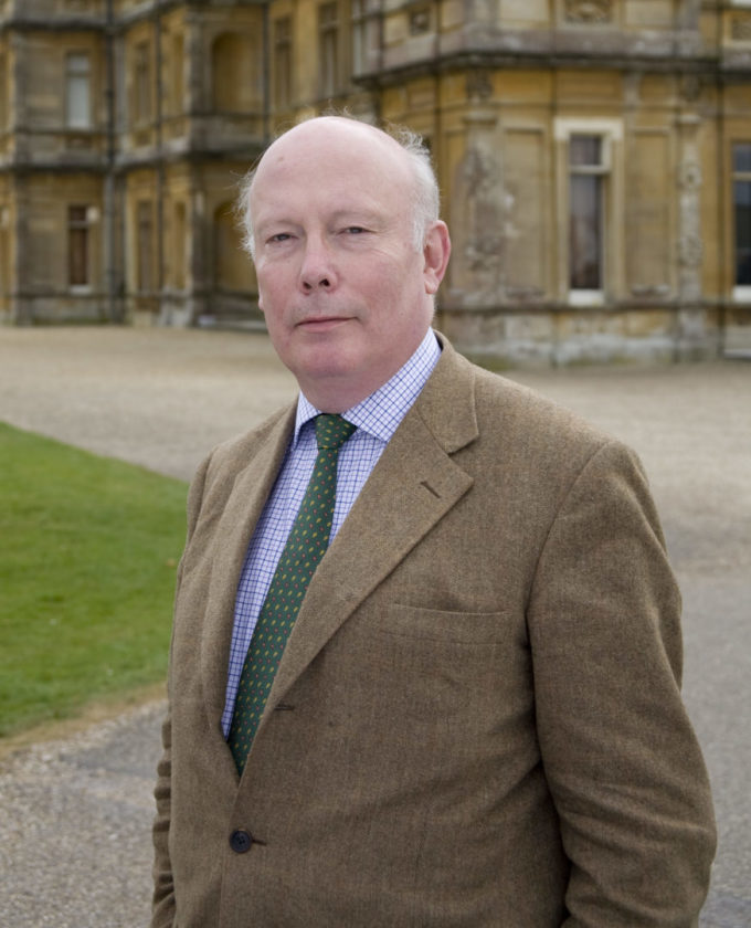 Julian Fellowes headshot