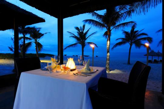 VNDADHOIA1 Hoi An Boutique Resort 31. Honey Moon Dinner set up