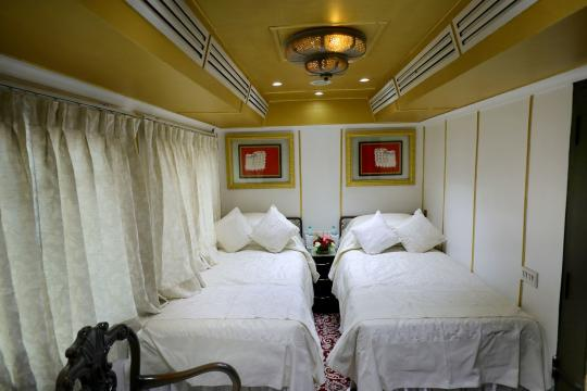IN Indien Palace on Wheels deluxe-cabin-03