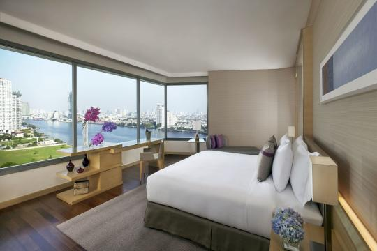 THBKKAVANI Avani+ Riverside Bangkok 01 AVANI Riverside Bangkok River View Junior Suite Bedroom