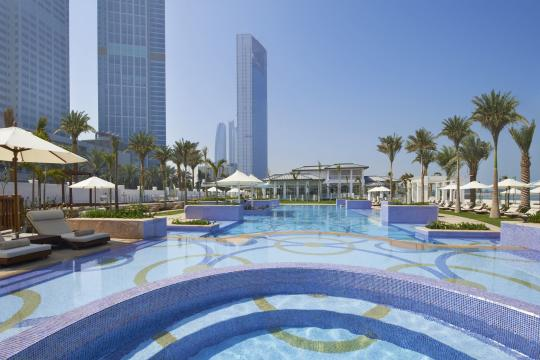 AEAUHTHEST St. Regis Abu Dhabi Corniche Nation Riviera Beach Club Swimming pool
