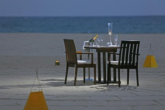 LKCMBUGABA Uga Bay by Uga Escapes Private Dining by the Beach