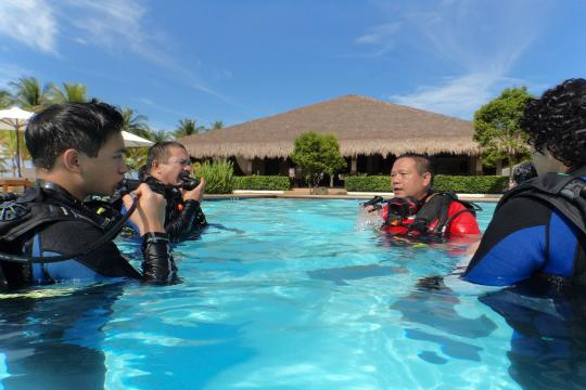 PHTAGBOHOL Bohol Dive Lessons