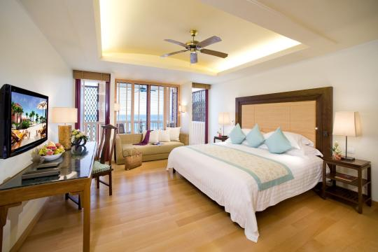 THHKTCENTG Centara Grand Beach Resort Phuket CPBR 01-deluxe-ocean-facing-01