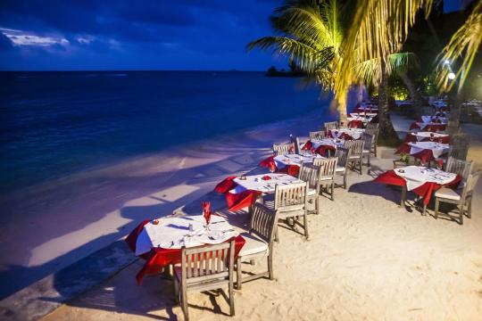 SCSEZLADIG La Digue Island Lodge restaurant setting on the beach