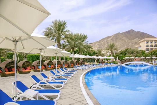 AEDXBROTAN Fujairah Rotana Resort & Spa pool