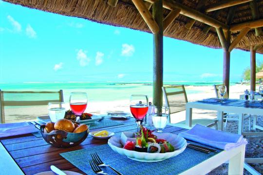 MUMRUAMBRE Ambre Resort & Spa La Plage Beach Restaurant
