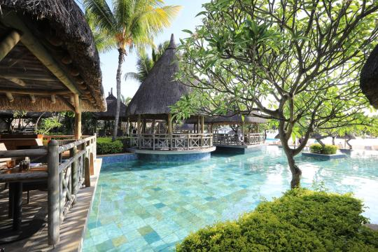 MUMRULAPIR La Pirogue Resort & Spa Magenta Seafood Restaurant