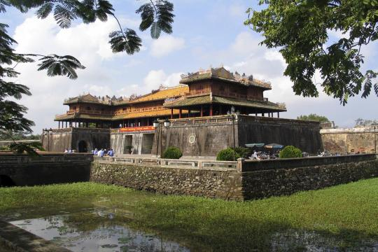 vnru000116Vietnam Klassisch mit Mekongdelta The Imperial City of Hue