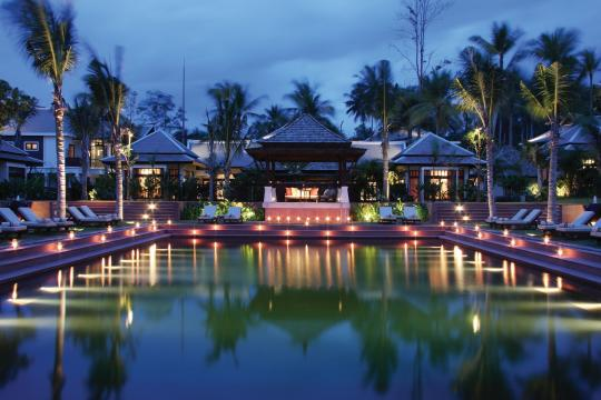 THUSMMELAT Melati Beach Resort & Spa Senctuary Pool (Night)