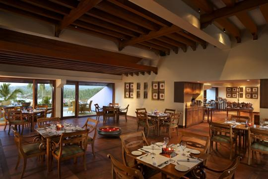 INTRVRAVIZ The Raviz Kovalam TERRACE - ALL DAY DINING