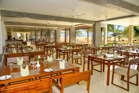 LKCMBGOLDI Goldi Sands Negombo Restaurant