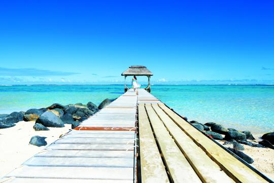 MUMRUOUTRI Outrigger Mauritius Beach Resort OMR Jetty 04 HR CMYK